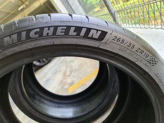 265/35/19 Michelin PS4S