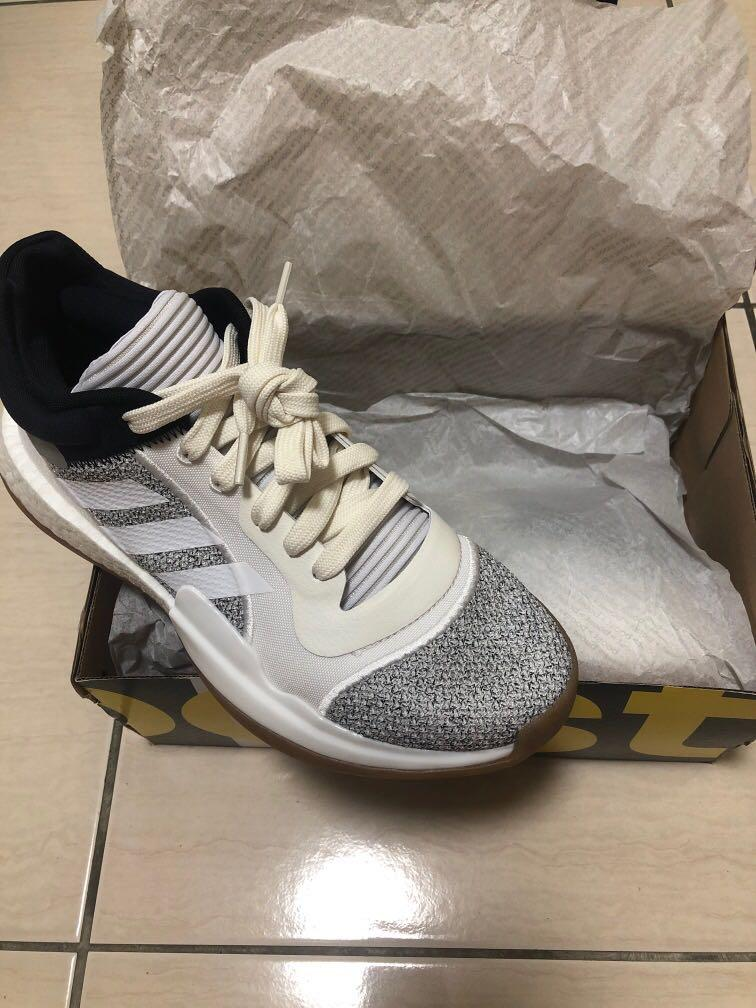 Adidas marquee boost low 籃球鞋