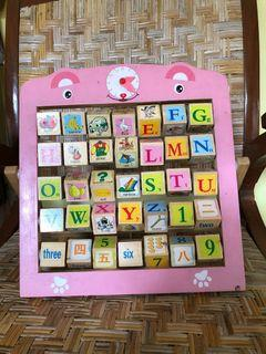 Mainan edukasi Alphabet