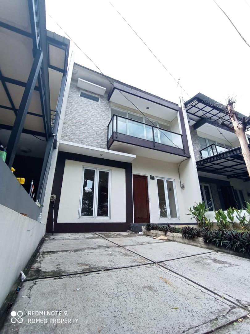 READY!! Rumah cibubur BEBAS BANJIR 2 lantai view taman 10 menit ke toll & LRT Cimanggis