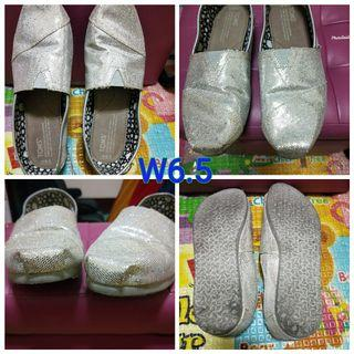 Toms doll shoes