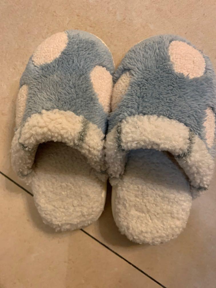 保暖點點拖鞋