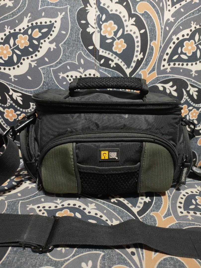 Case logic DSLR Camera Bag Good as new Small type Fit Mirrorless and DSLR   Cod cod lbc