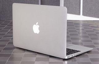 Macbook Air 11'  2015 (used)