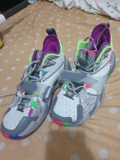 二手幾乎全新Nike 籃球鞋 Jordan Why Not ZER0.3 白/灰 CD3002100,只有一雙單UA10