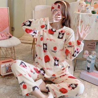 私訊下單免運 全新現貨 珊瑚絨暖暖發熱草莓睡衣套裝