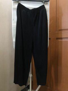 Celana Kulot / Culotte Hitam Uniqlo