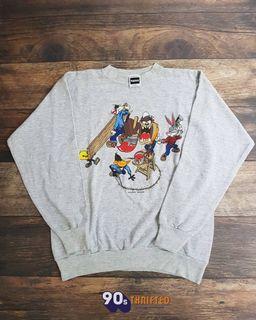 Crewneck vintage Looney Tunes vintage - Copyright 1994 - built up (likenew) 🔥🔥🔥 Size : XL  PxL : 72x60 Harga : Dm