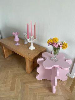 Mini curvy table
