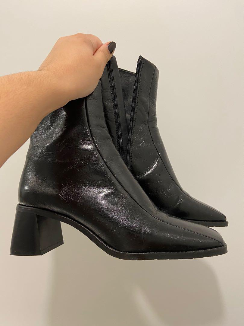 L'INTERVALLE BOOTS