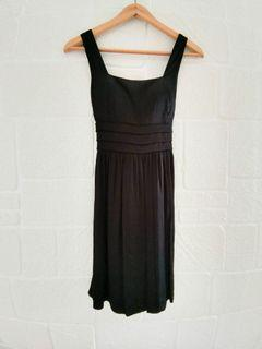 GG5 Dresses and Tops