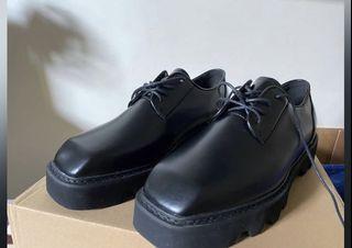KOREA MOOS 方頭霧面皮鞋