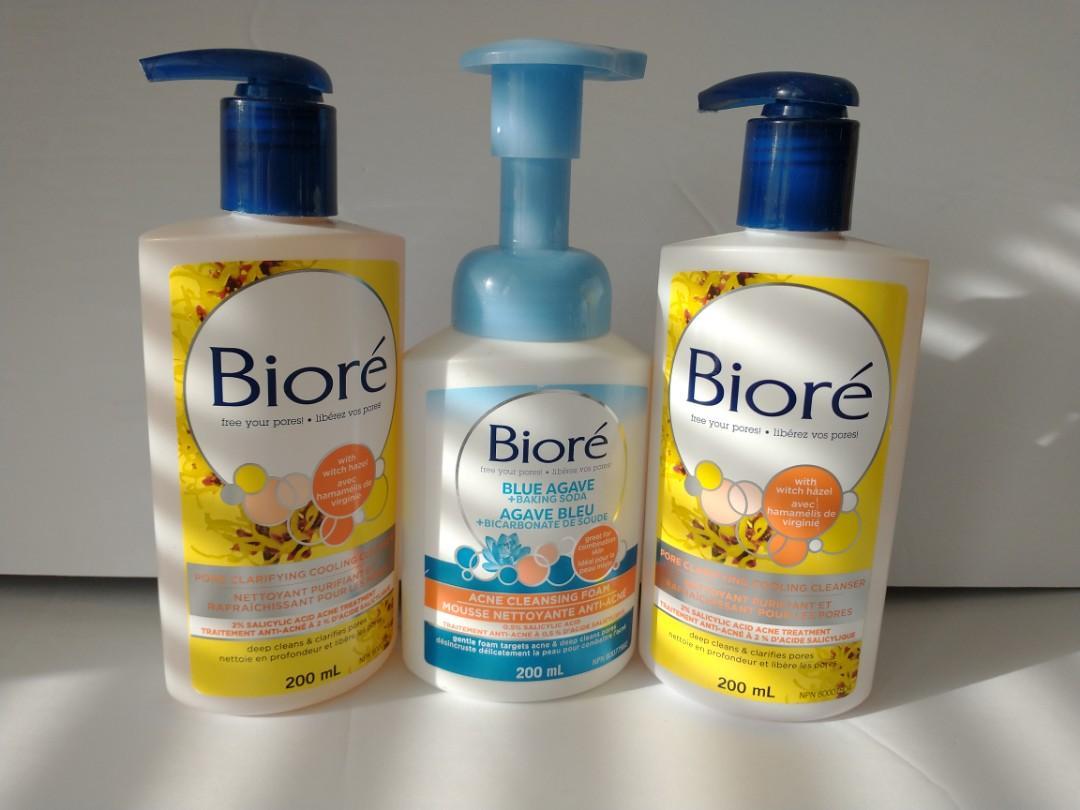 🌸Biore, pore clarifying and acne cleansing foam
