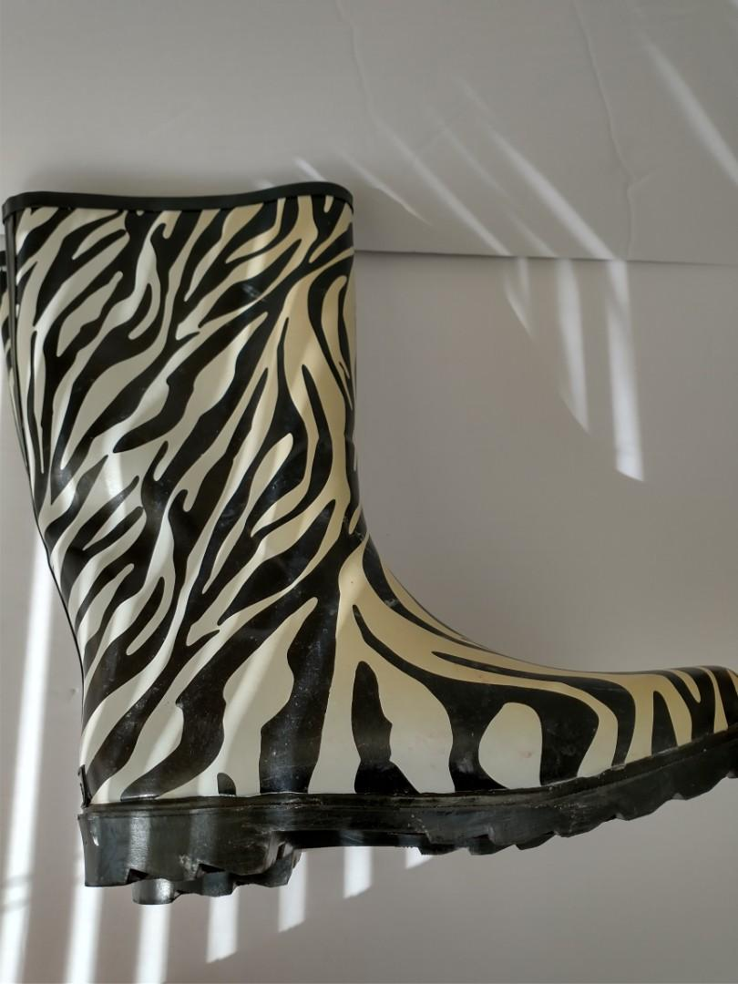 Rain boots, size 10, animal print design