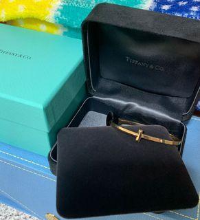 Tiffany 新款 18k玫瑰金 T1手鐲