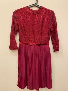全新氣質紅色蕾絲百褶洋裝