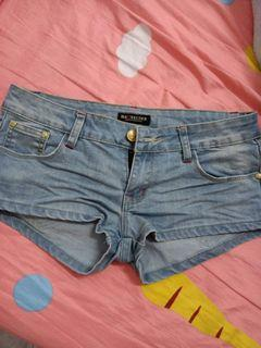全新牛仔短褲