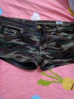 全新迷彩短褲