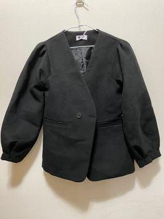 全新黑色外套(有墊肩)