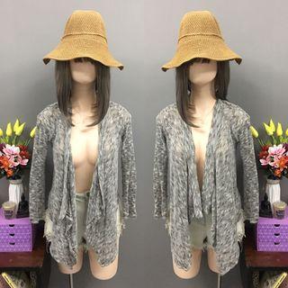 Grey knitted cardigan (size:medium)