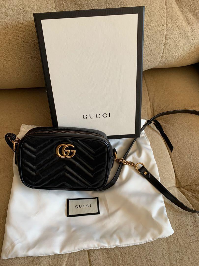 Gucci mini black Marmont purse