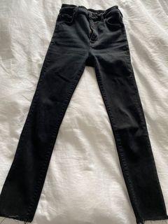 Aritzia denim forum black lola crop jeans