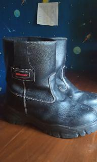 BRGenesis safety shoes