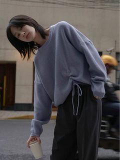 藍紫色毛衣