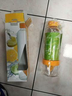 Lemon pot 檸檬水杯800ml,賣場內選購,可免費。先預約保留。