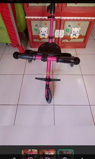 Stoolee roda 3, warna pink, kondisi masih bagus jarang dipakai