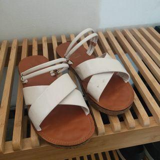 交擦涼拖鞋