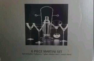 BNIB 6 piece Martini Set