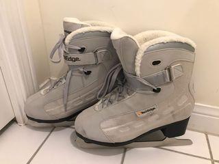 EUC Techedge women ice skates / figure skates (size 8)