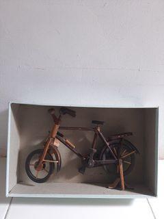 Pajangan Sepeda Ontel Kayu