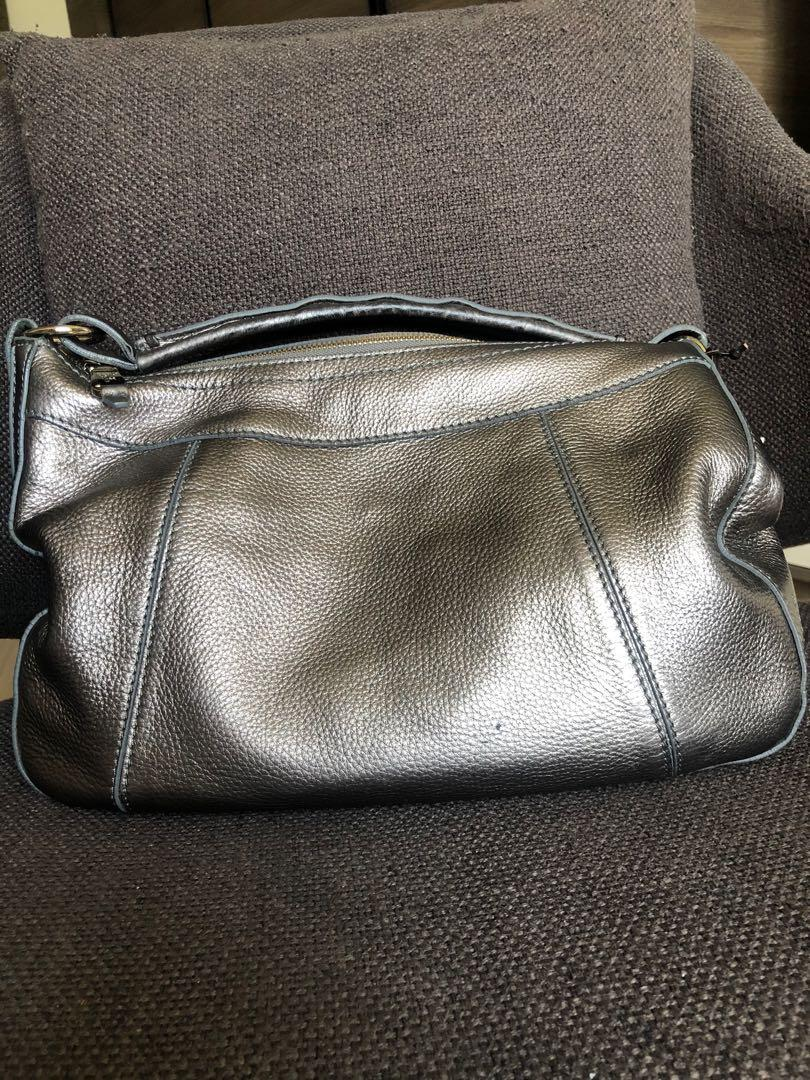 pre❤️ authentic cole haan sling bag