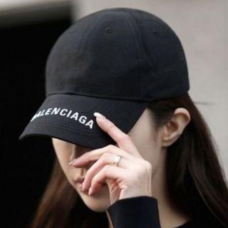 Balenciaga巴黎世家字母帽