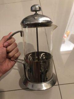 coffee plunger / tea maker.