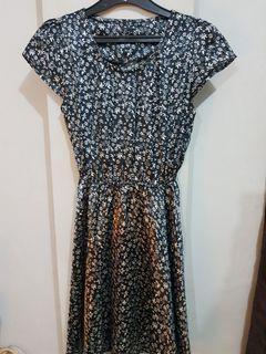 Dress motif bunga ( floral dress)