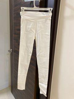 純白打底褲