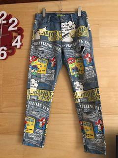 品牌塗鴉牛仔褲