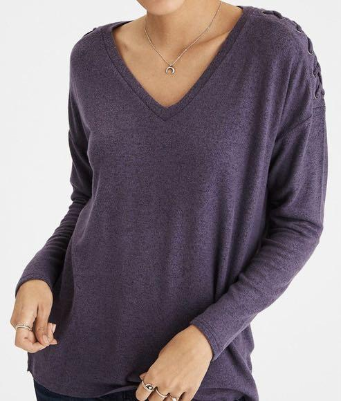 AMERICAN EAGLE SOFT AND SEXY PLUSH V NECK LONGSLEEVE WITH LACE UP SHOULDER DETAIL