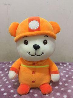 Boneka anjing pakaian pemadam