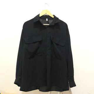 黑長袖雙口袋襯衫