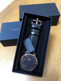 《全新品》優惠特售 DW手錶 黑 32mm