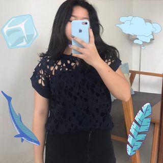 Navy Top / Atasan Biru Dongker Bunga