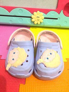 Sepatu sendal Frozen Elsa Tsum tsum