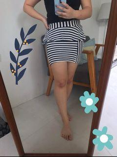 Stripes Mini Skirt / Rok Mini Garis Hitam Putih Semi Formal