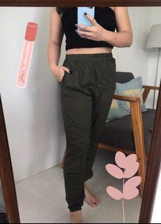UNIQLO Jogger Pants / Celana Jogger UNIQLO Airism