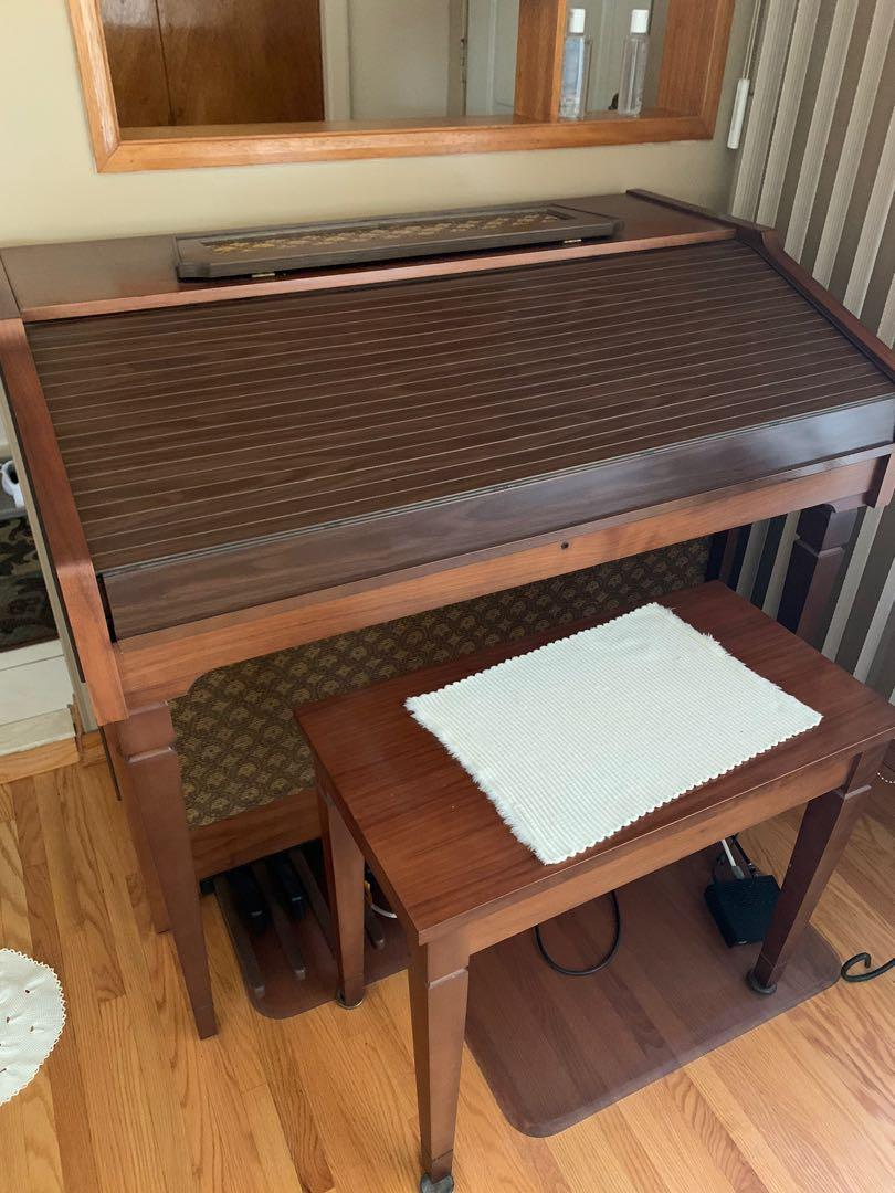 Vintage Electric Organ (ANY OFFER WELCOME)