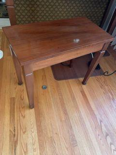 WOODEN BENCH (Like brand new)